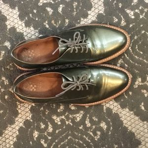 Vince Camuto Nilee metallic leather oxfords size 8